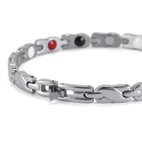 silver_magnetic_therapy_bracelet_smooth_braid_clasp